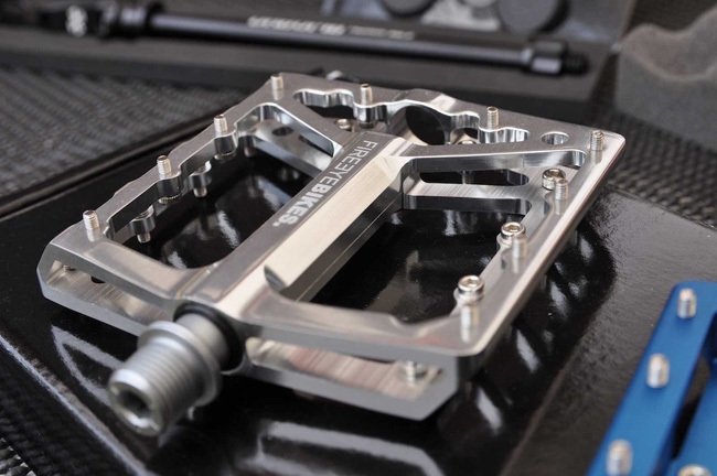 fireeye-broil-broil-pedal.jpg