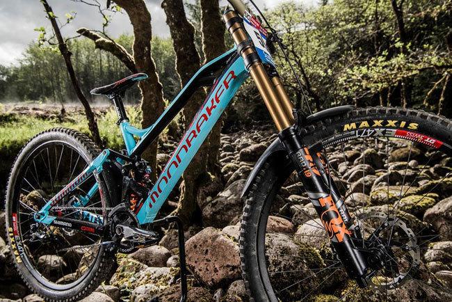 side-profile-of-danny-hart-s-all-new-mondraker-summum-29-wheel-dh-bike.jpg