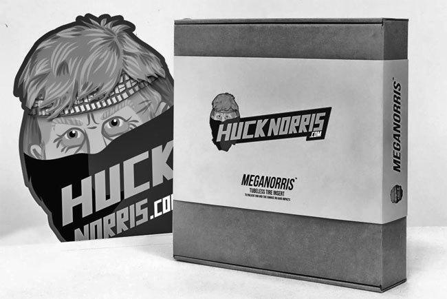 huck-norris-boxddd-norris-head-vedos-1024x683.jpg